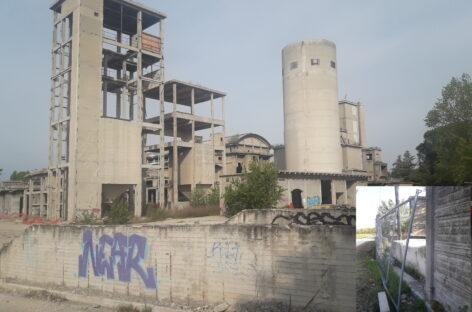 Santarcangelo – L'ex cementificio Buzzi Unicem lasciato in completo abbandono e senza i minimi criteri di sicurezza.